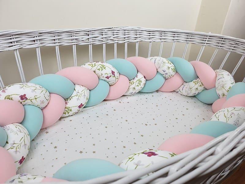 Braided crib bumper with pattern 200 cm