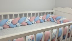 Braided crib bumper with pattern 240 cm